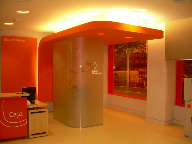 Bankinter luminosos arga for Caixa oficinas pamplona